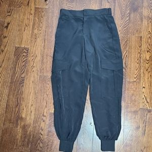 NWTZara cargo pant with elastic back and cuff pant